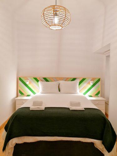 Cabeceira de cama Bica